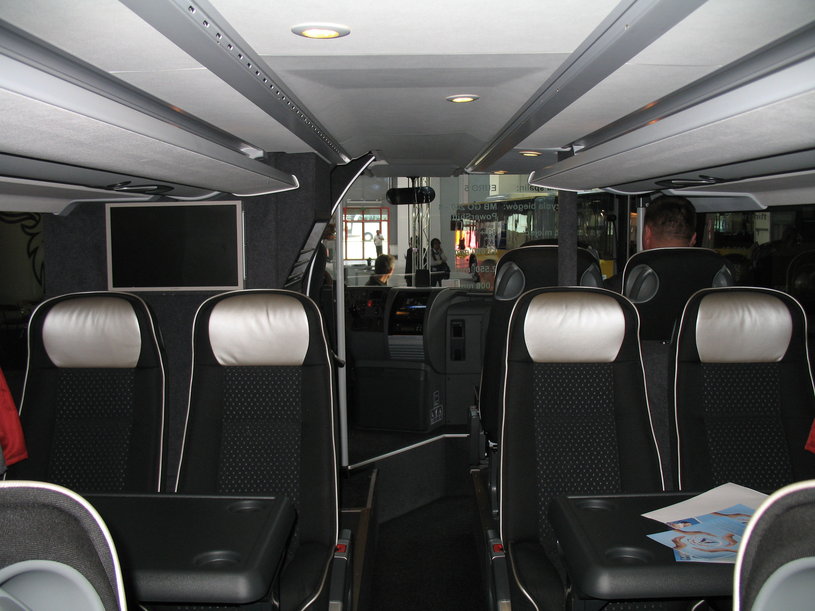 File:Setra S 431 DT - interior front.jpg - Wikimedia Commons