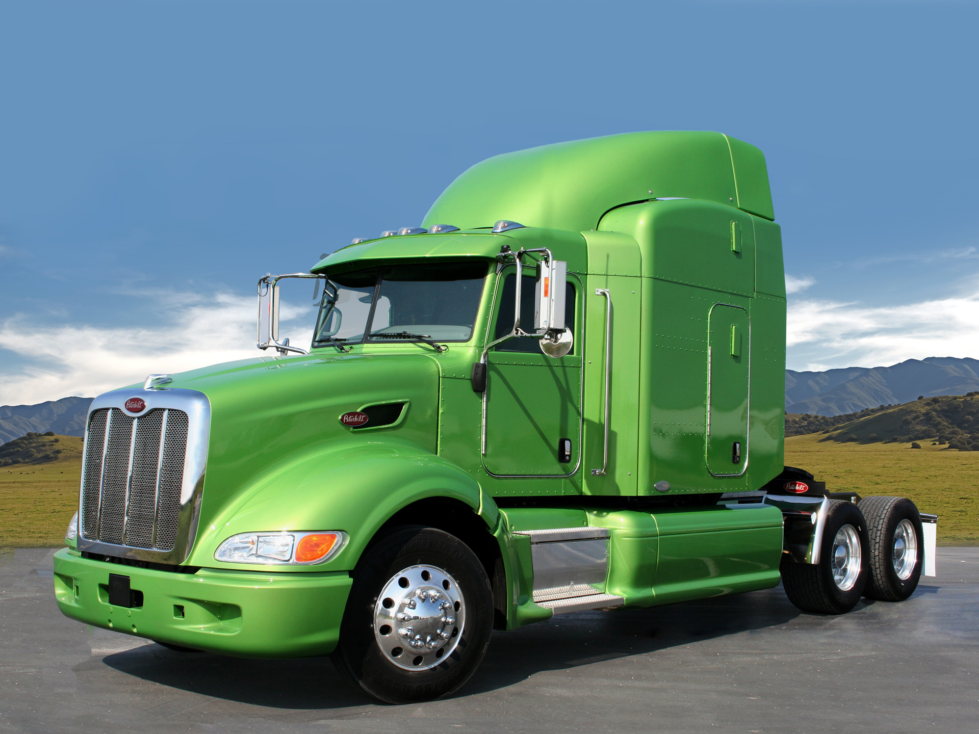 Peterbilt 260GD 5 Ton Tractor Photo Gallery: Photo #10 out of 10 ...