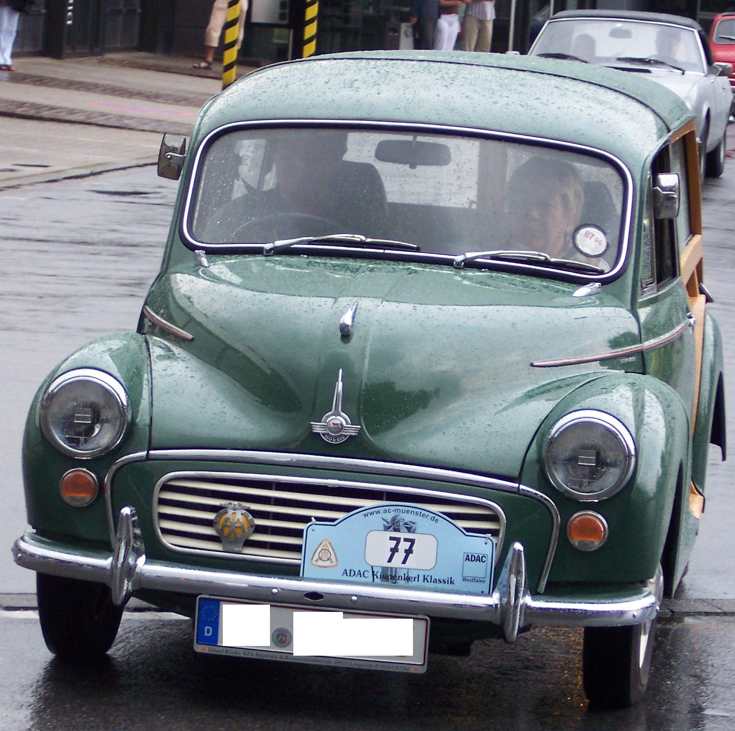 File:Morris Minor 1000 green woody v.jpg - Wikimedia Commons