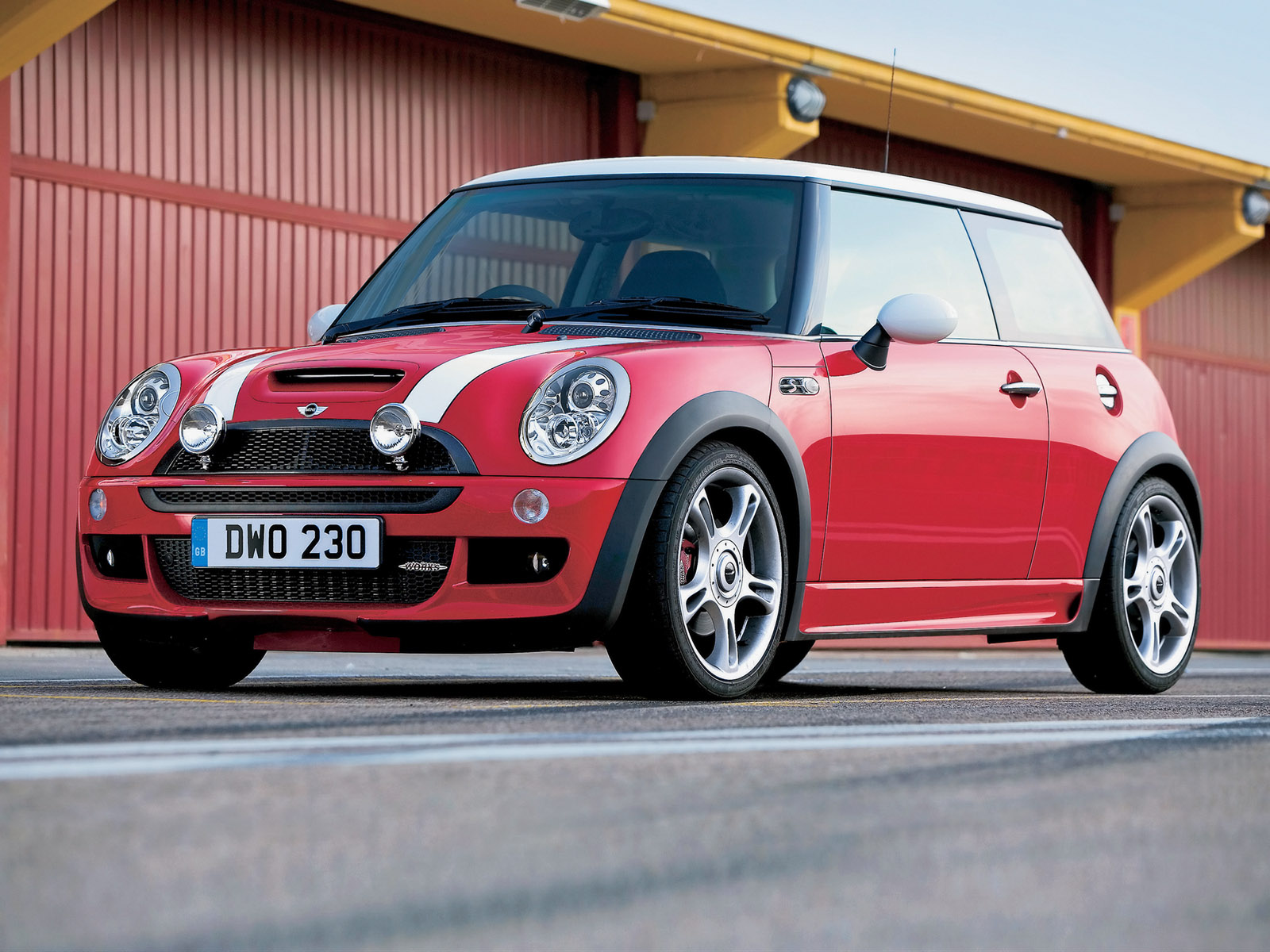 The History Of The Mini Cooper | Teen Car Guy