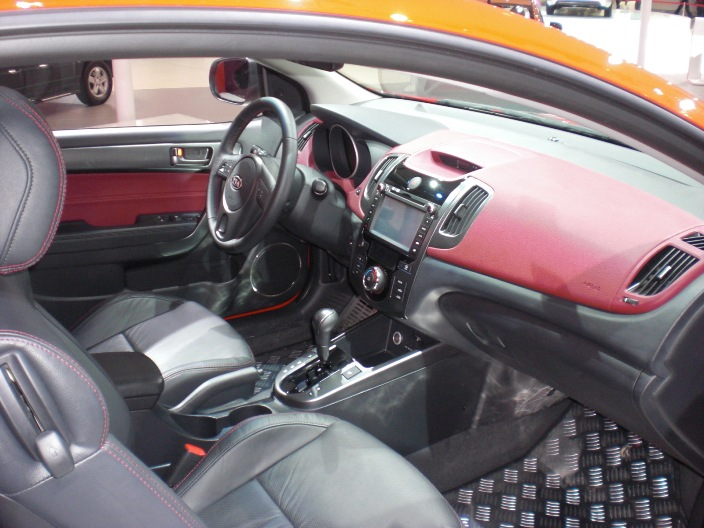 KIA SHUMA INTERIOR AT Guangzhou China Car Show Nov 2009 026 ...
