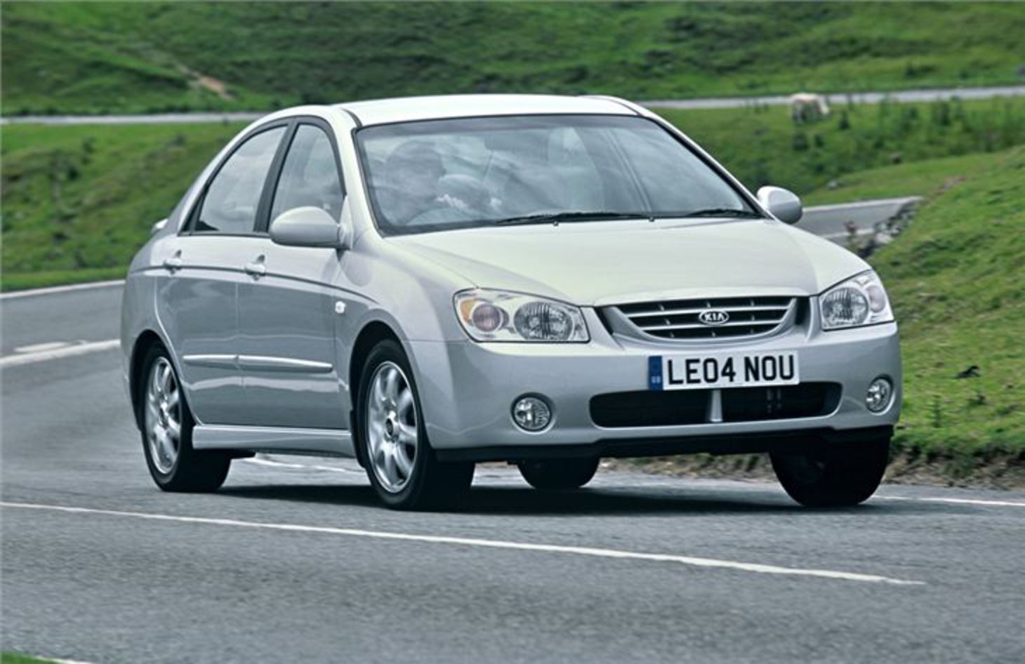 KIA Cerato 2004 - Car Review | Honest John