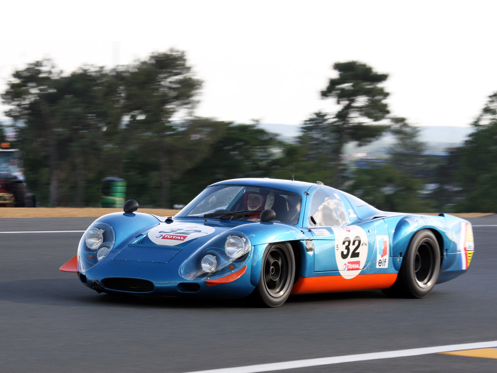 A history of Alpine's endurance racing prototypes : first4auto