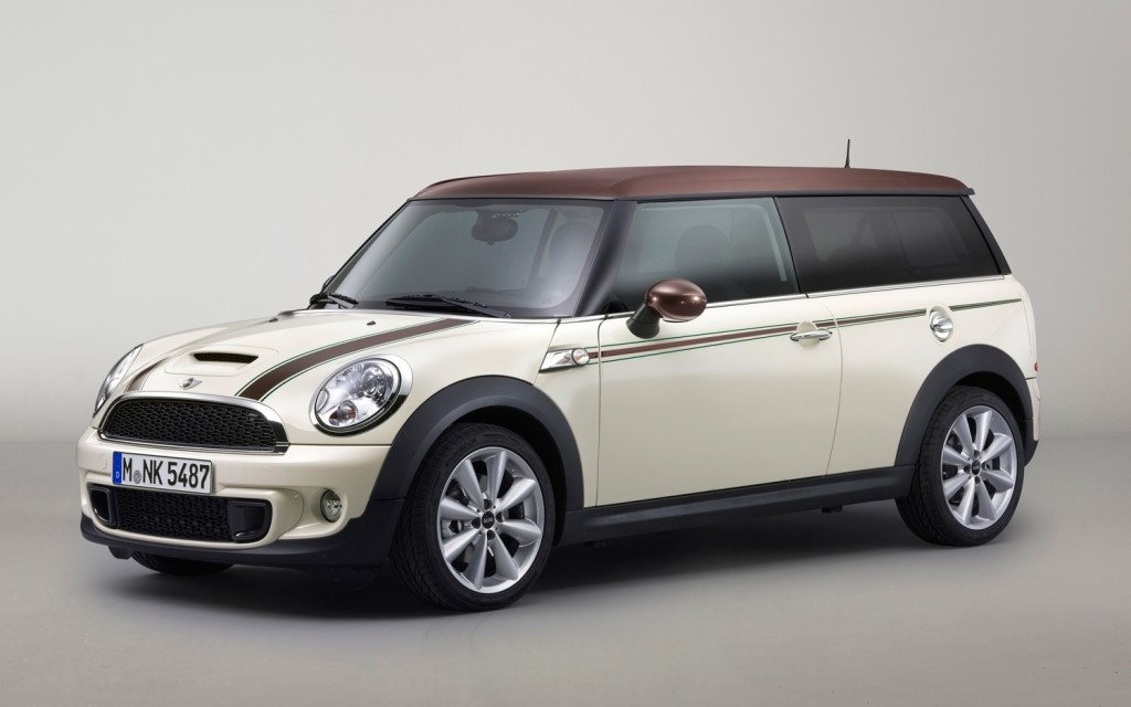 2013 Mini Cooper Clubman Hyde Park front three quarter Photo on ...