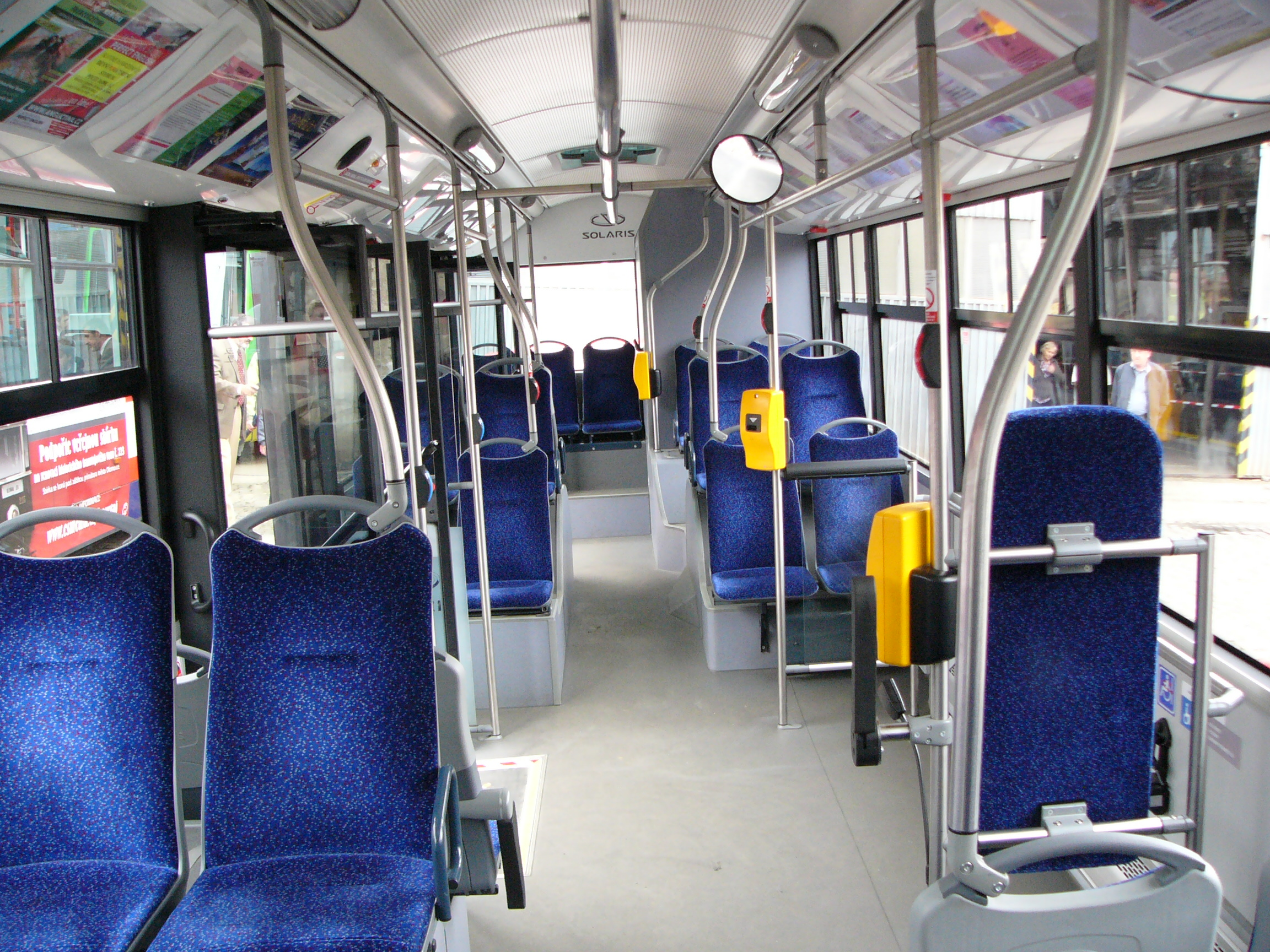 File:Solaris Urbino 12 interior.jpg - Wikimedia Commons