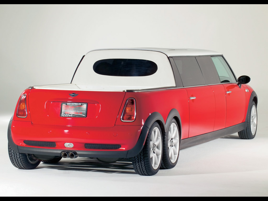 Mini XXL Stretch Limo - Rear Angle - Bed - 1024x768 Wallpaper