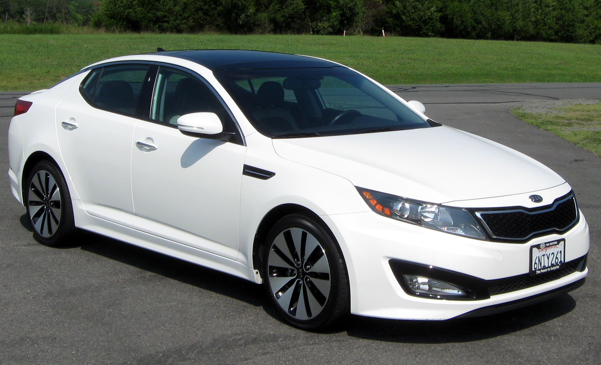 File:2011 Kia Optima SX -- 08-26-2011.jpg - Wikimedia Commons