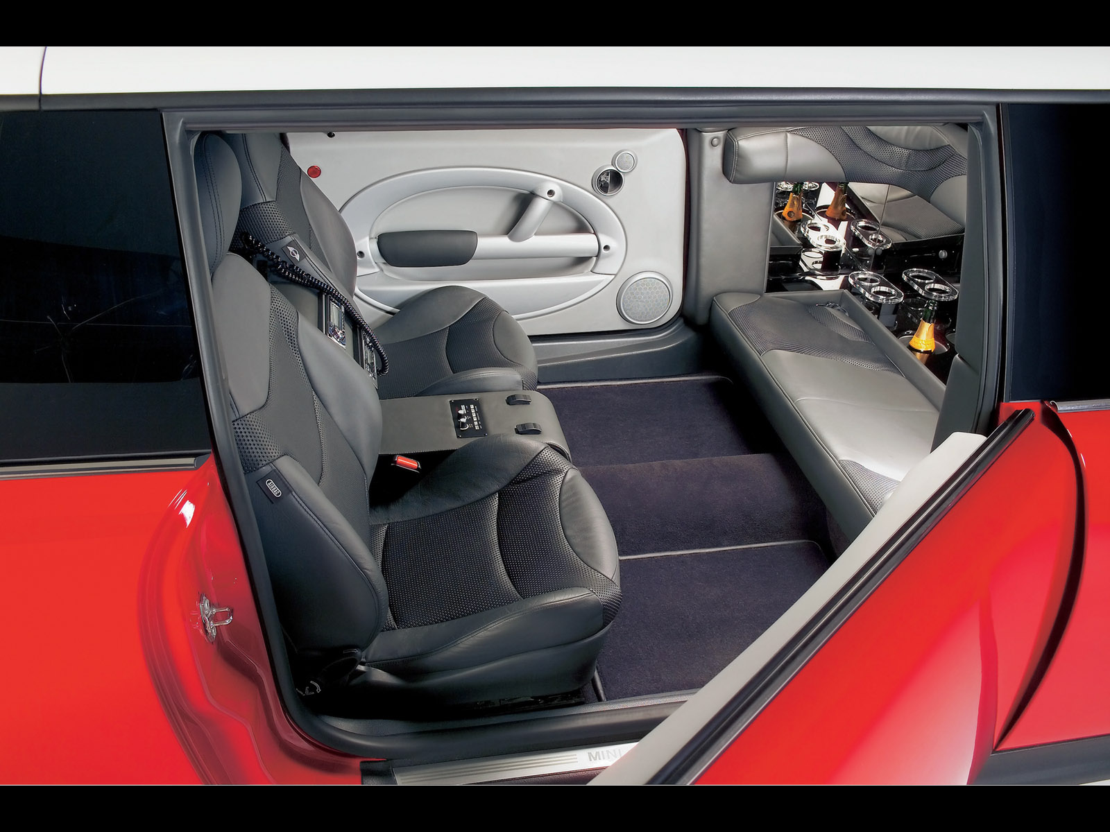Mini XXL Stretch Limo - Interior Seating - 1600x1200 Wallpaper