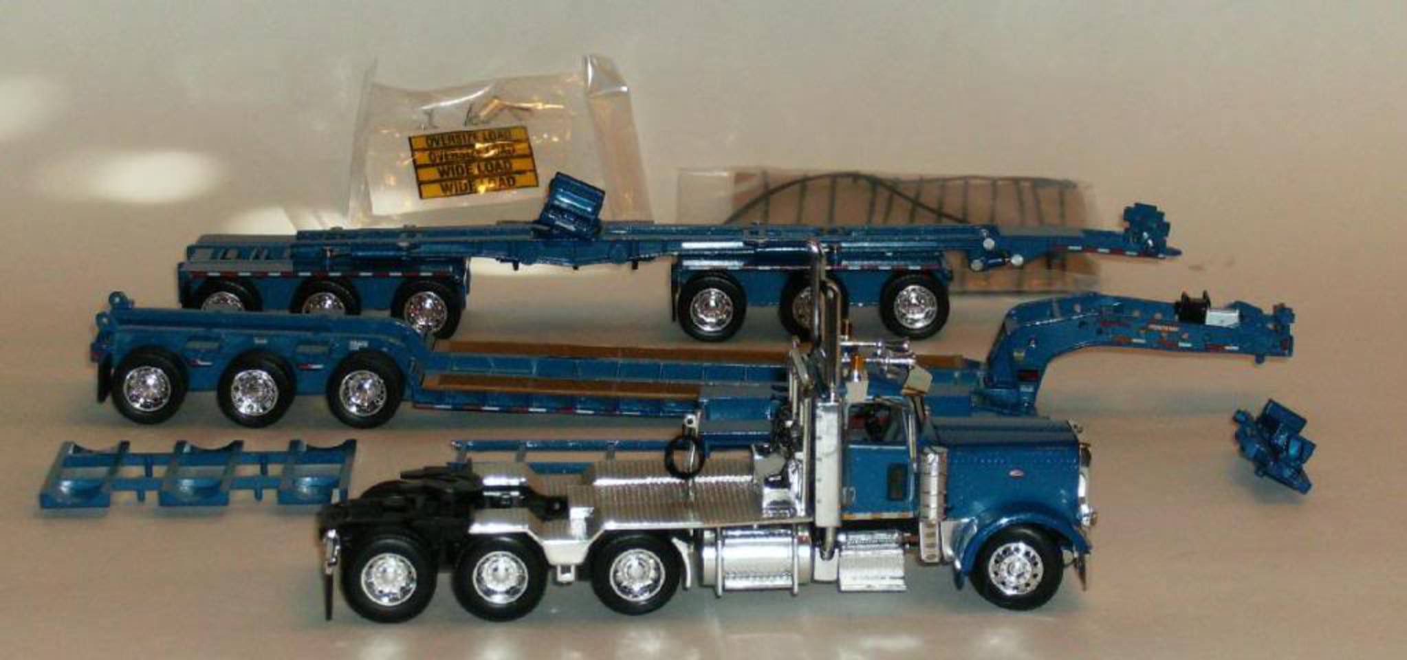 DCP Peterbilt 389 with Fontaine low bed and 6 axle Hydra-Steer ...