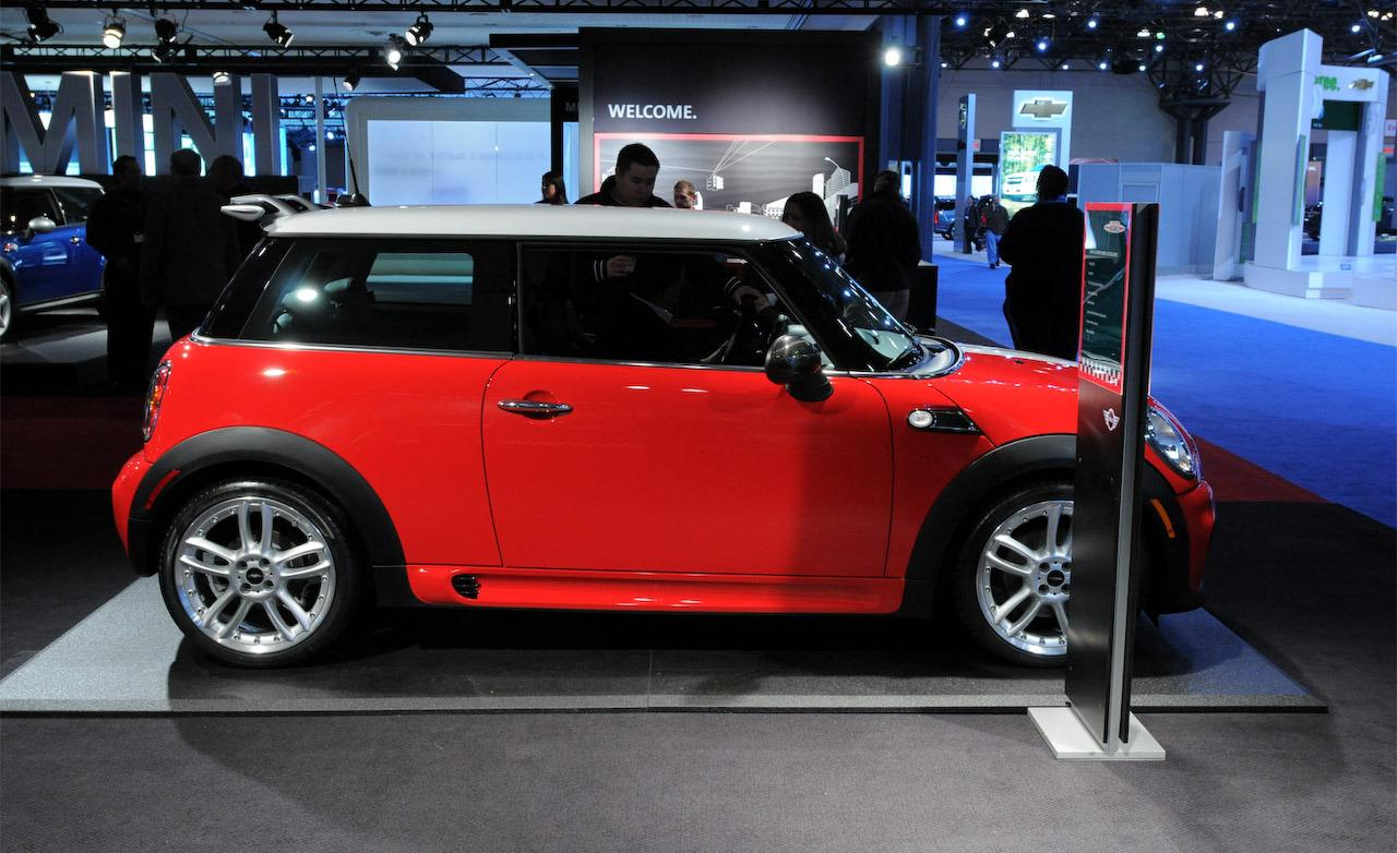 2009 Mini Cooper S and Cooper S Clubman John Cooper Works - Photo ...