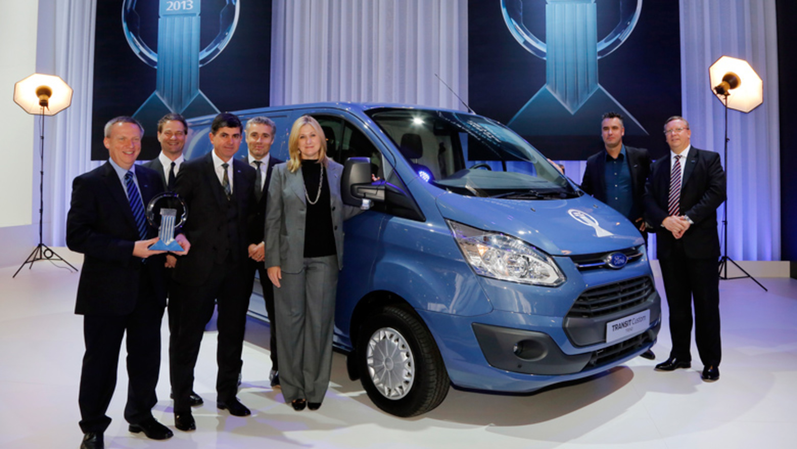 New Ford Transit Custom wins 'International Van of the Year'