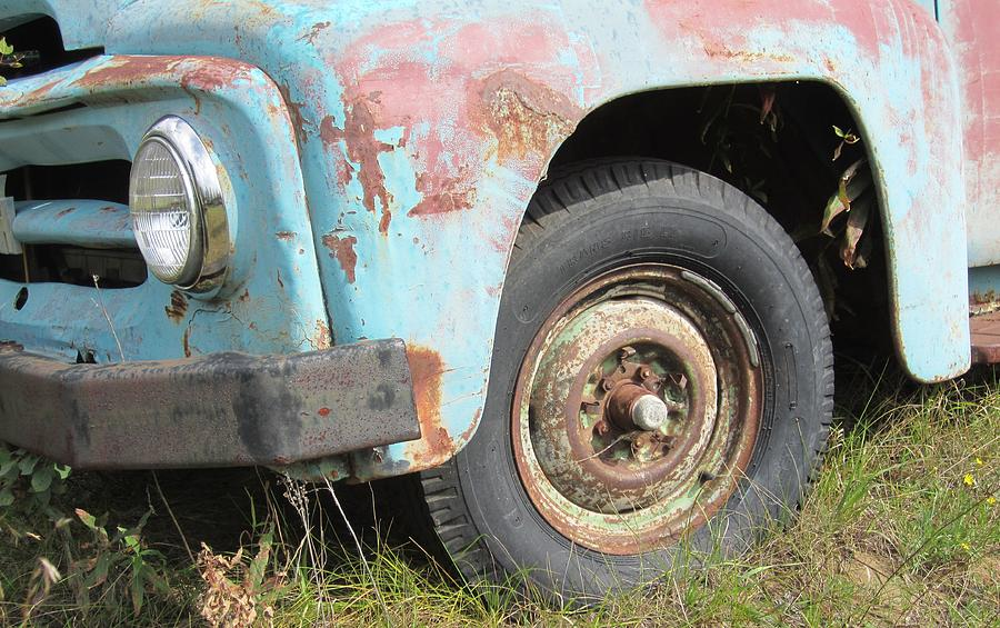 Old International Van Side View With Tire Photograph by Yianni ...