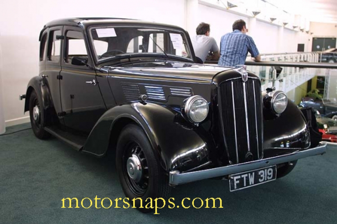 Morris Eight 2dr