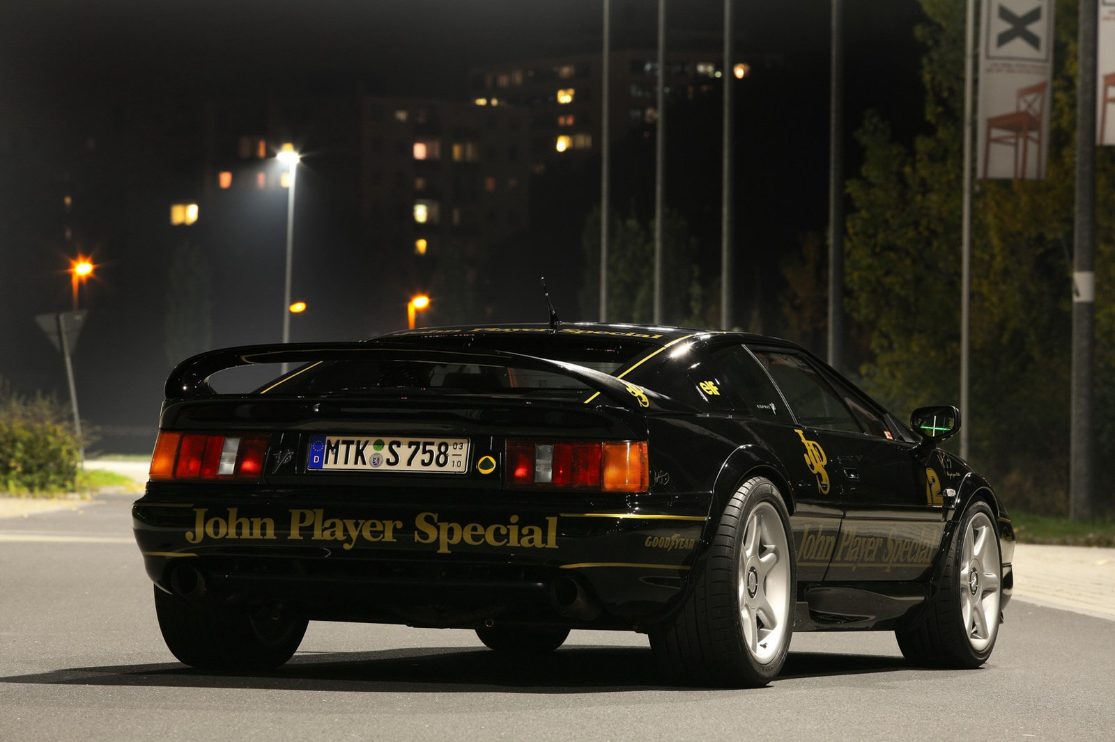 Lotus Esprit V8 by Cam Shaft (Gallery Photo #