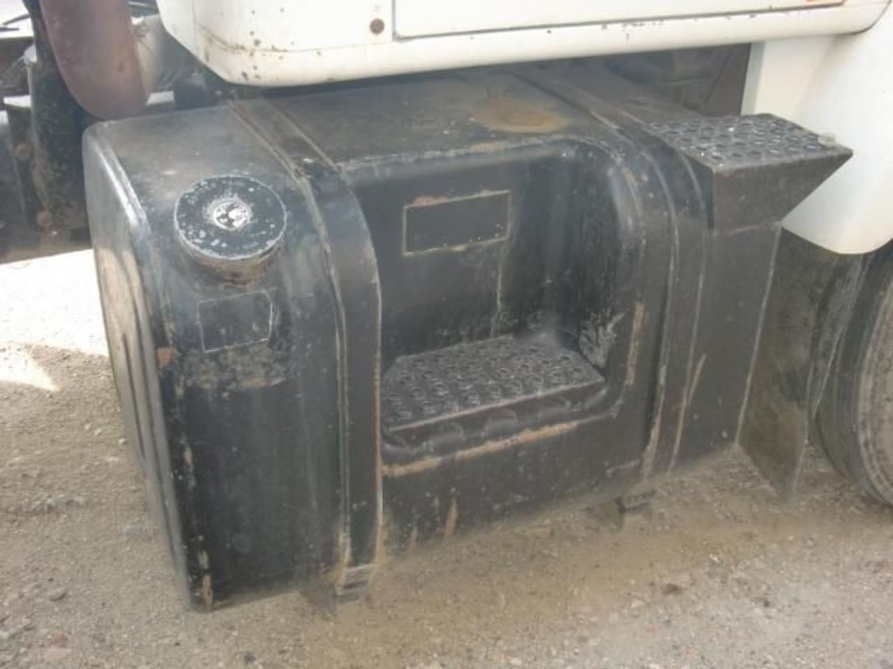 International S2300 Truck Fuel Tank for sale - Vander Haag's Parts ...