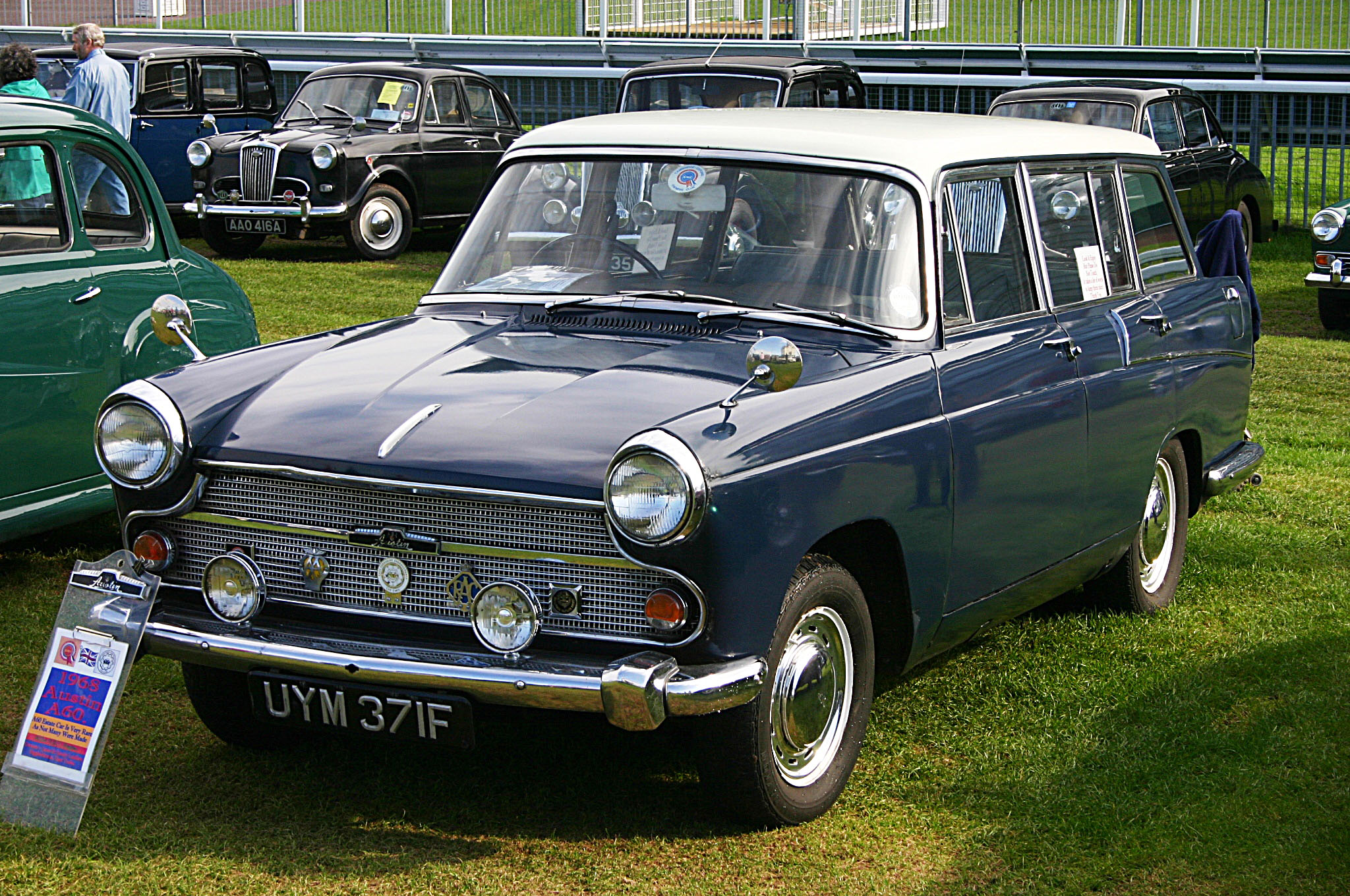 File:Austin A60 Cambridge Countryman 1966.jpg - Wikipedia, the ...