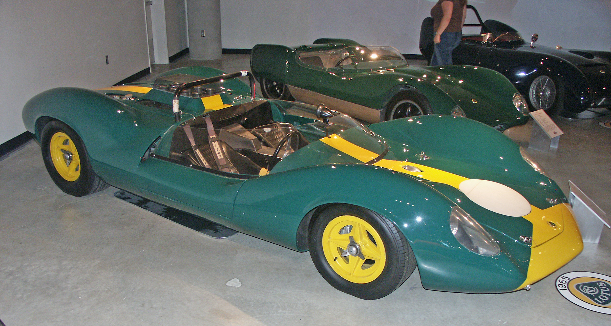 File:Lotus30.jpg - Wikimedia Commons