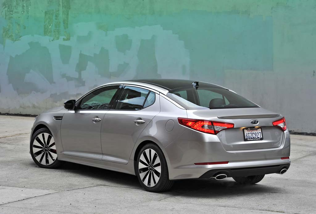 First Drive: 2011 Kia Optima | TheDetroitBureau.