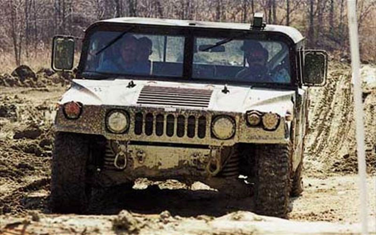 1999 AM General Hummer Front View Photo 6
