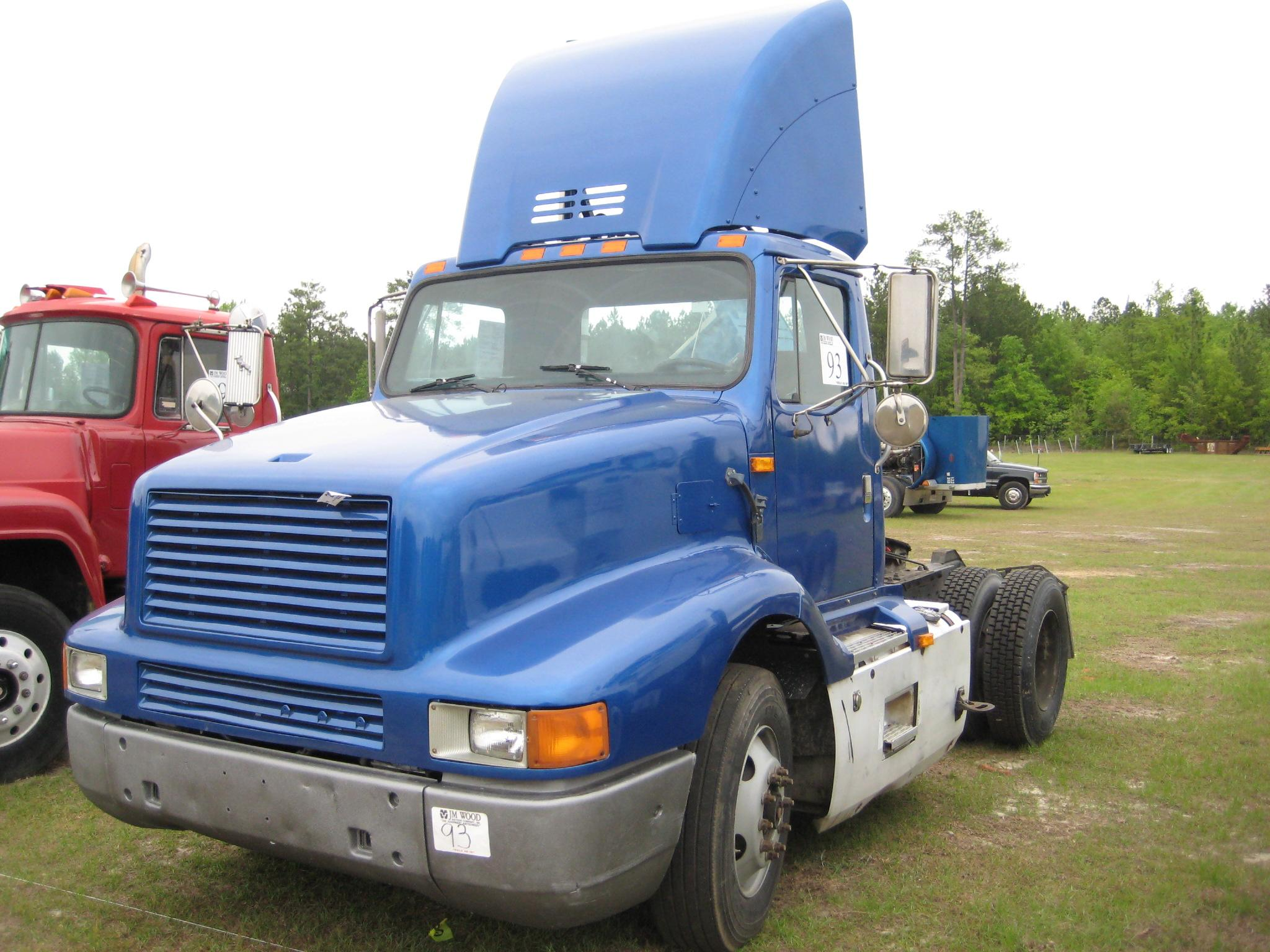 1992 INTERNATIONAL 8300 S/A TRUCK TRACTOR