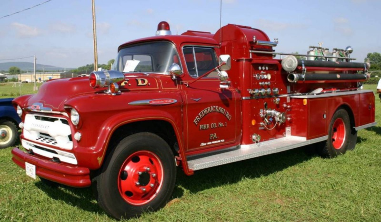 Display All the Chevrolet Fire Truck Pictures
