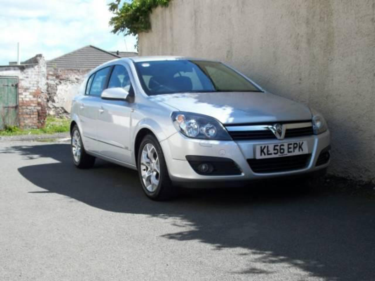 Opel Astra 17i Hatch. View Download Wallpaper. 640x480. Comments