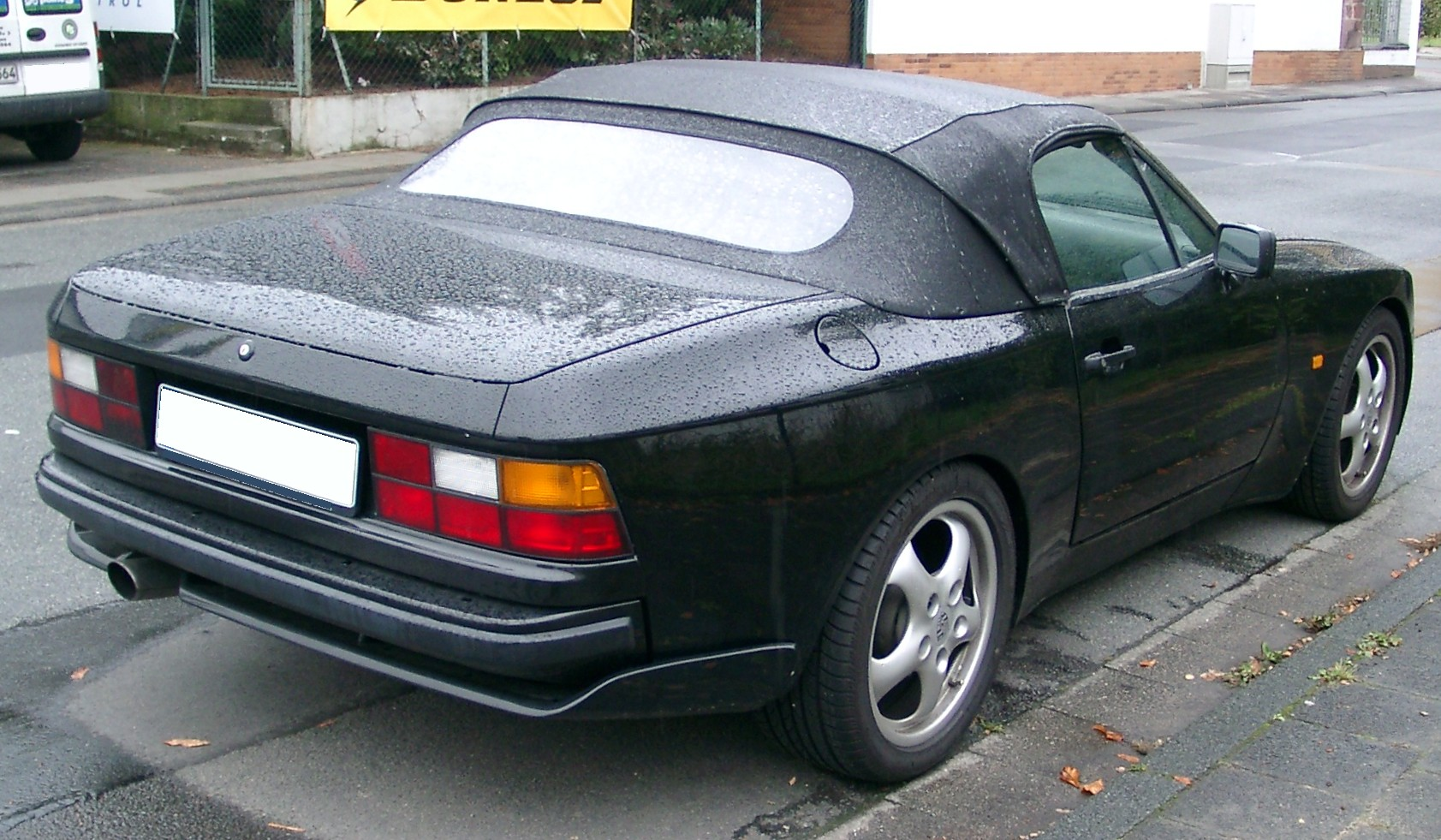Porsche 944 cabriolet (365 comments) Views 6316 Rating 20