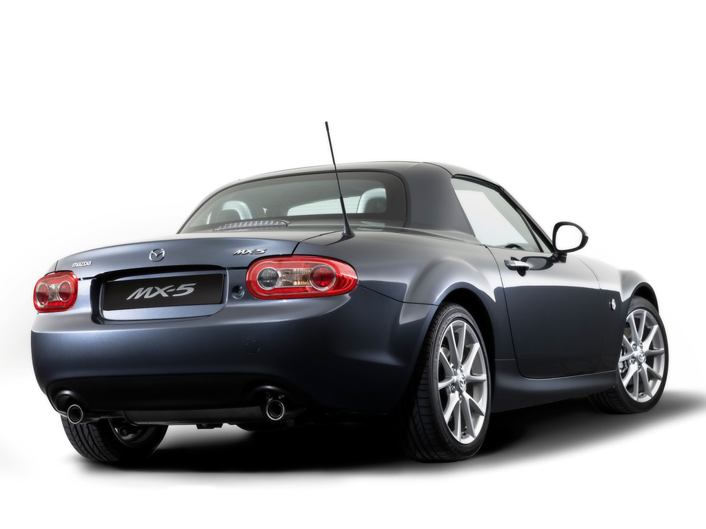 2010 Mazda MX-5 - Roadster Coupe Rear Angle - 1024x768 - Wallpaper