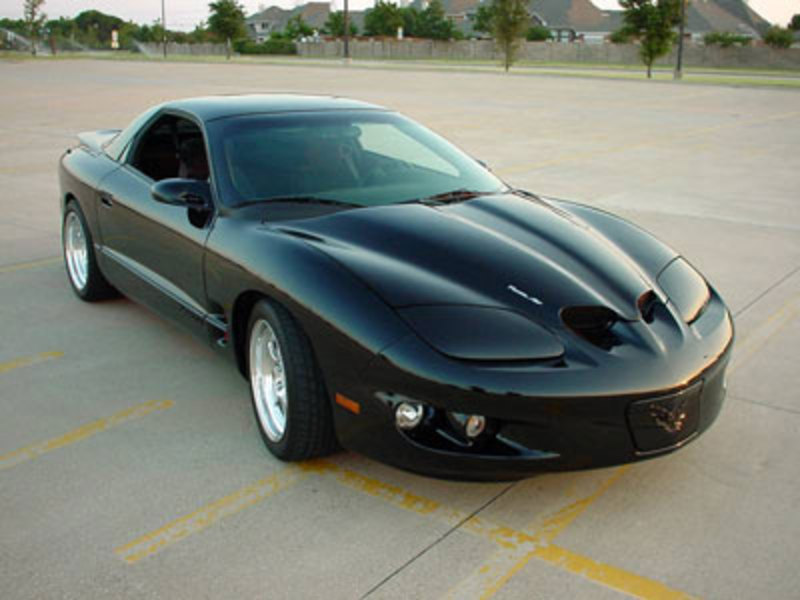 Pontiac Firebird was built by Pontiac, General Motors in the year 1967 and