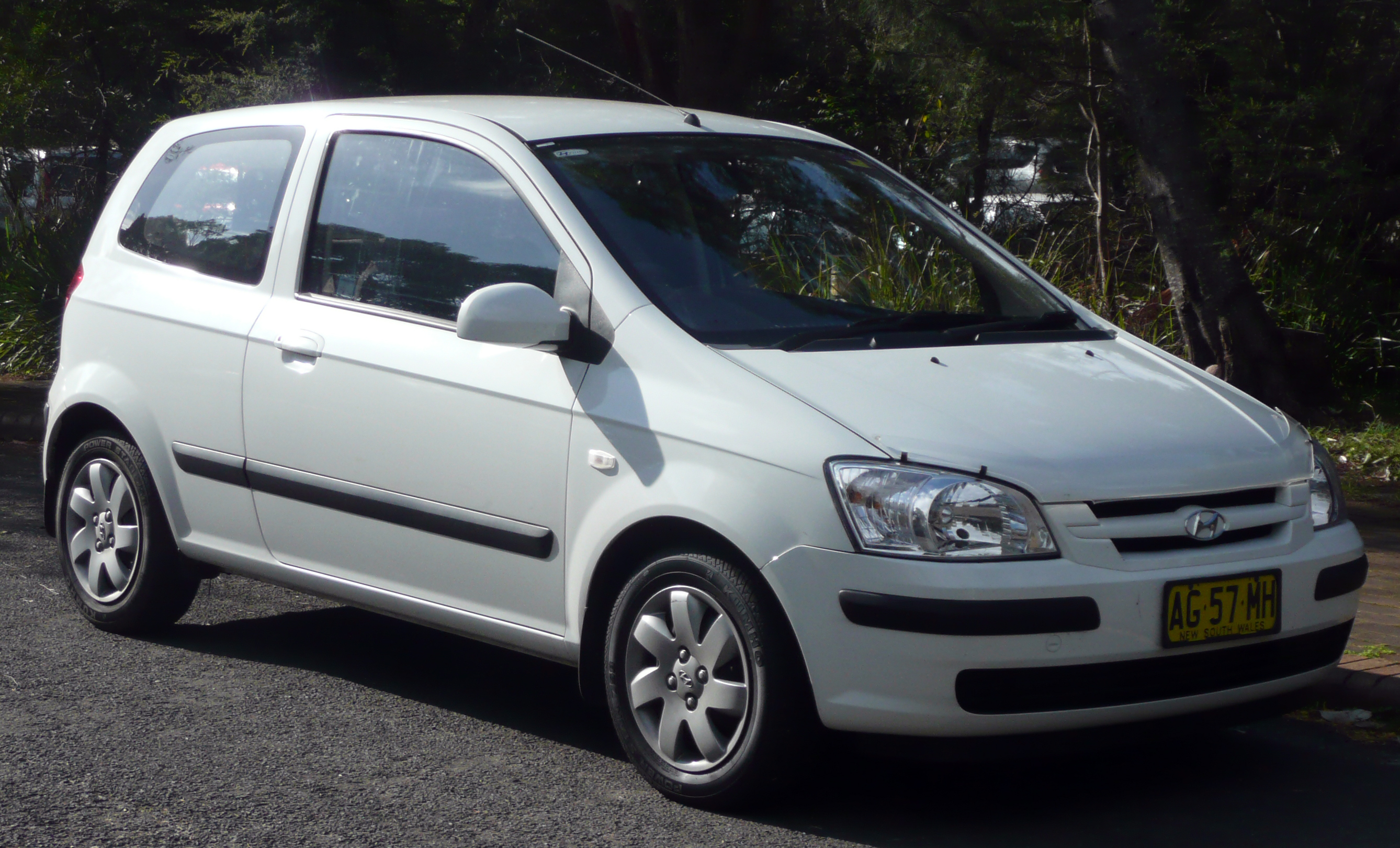 File:2003-2005 Hyundai Getz (TB) GL 3-door hatchback 01