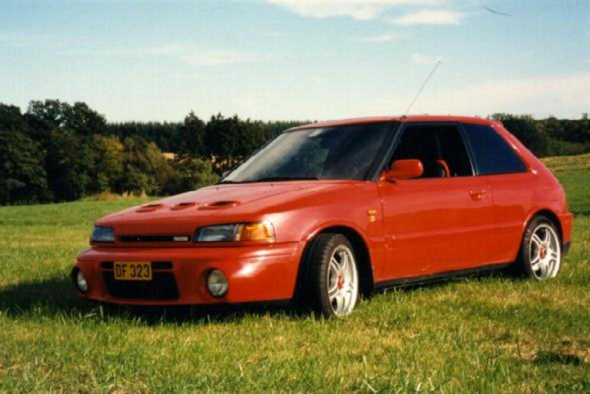 Mazda 323 1.3i Hatchback Views 29969