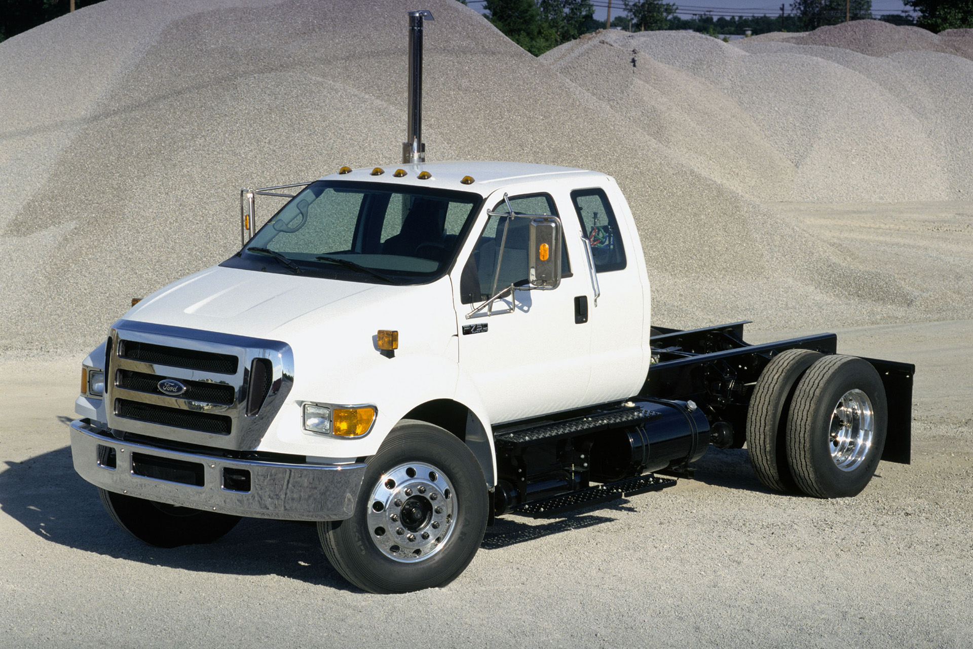 You can vote for this Ford F-750 photo