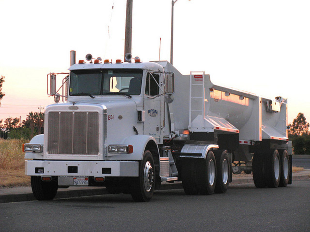 Peterbilt 378 Dump: Photo gallery, complete information about ...