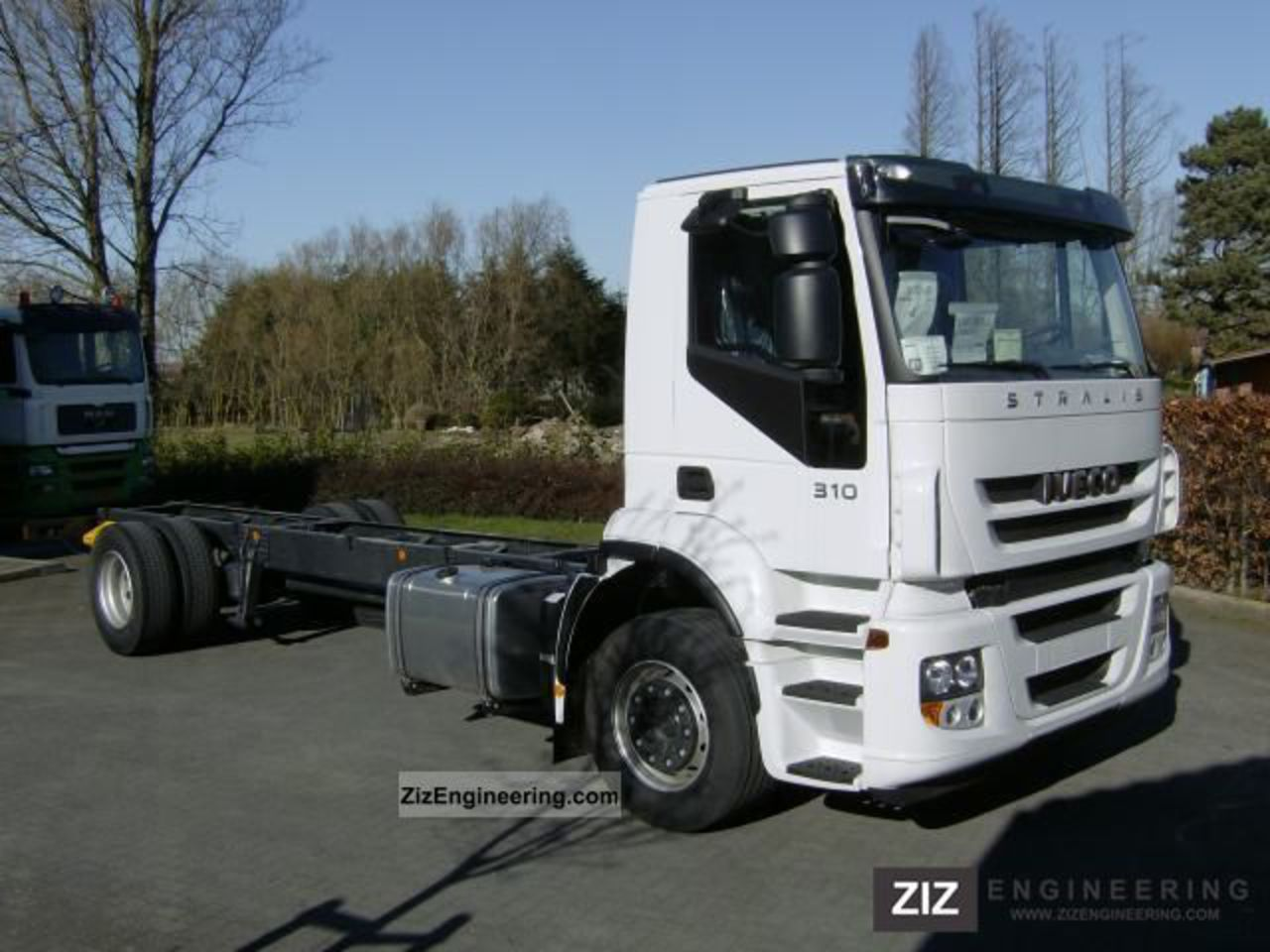 Iveco stralis AD190S310 / P 2011 Chassis Truck