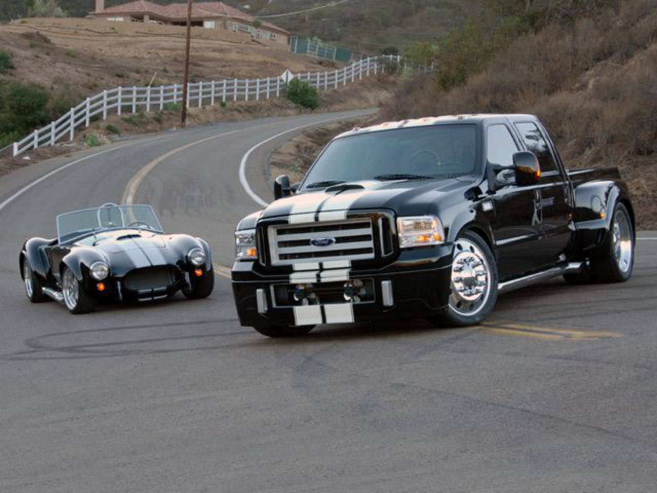 Ford F-750XL Super Duty - cars catalog, specs, features, photos, videos,