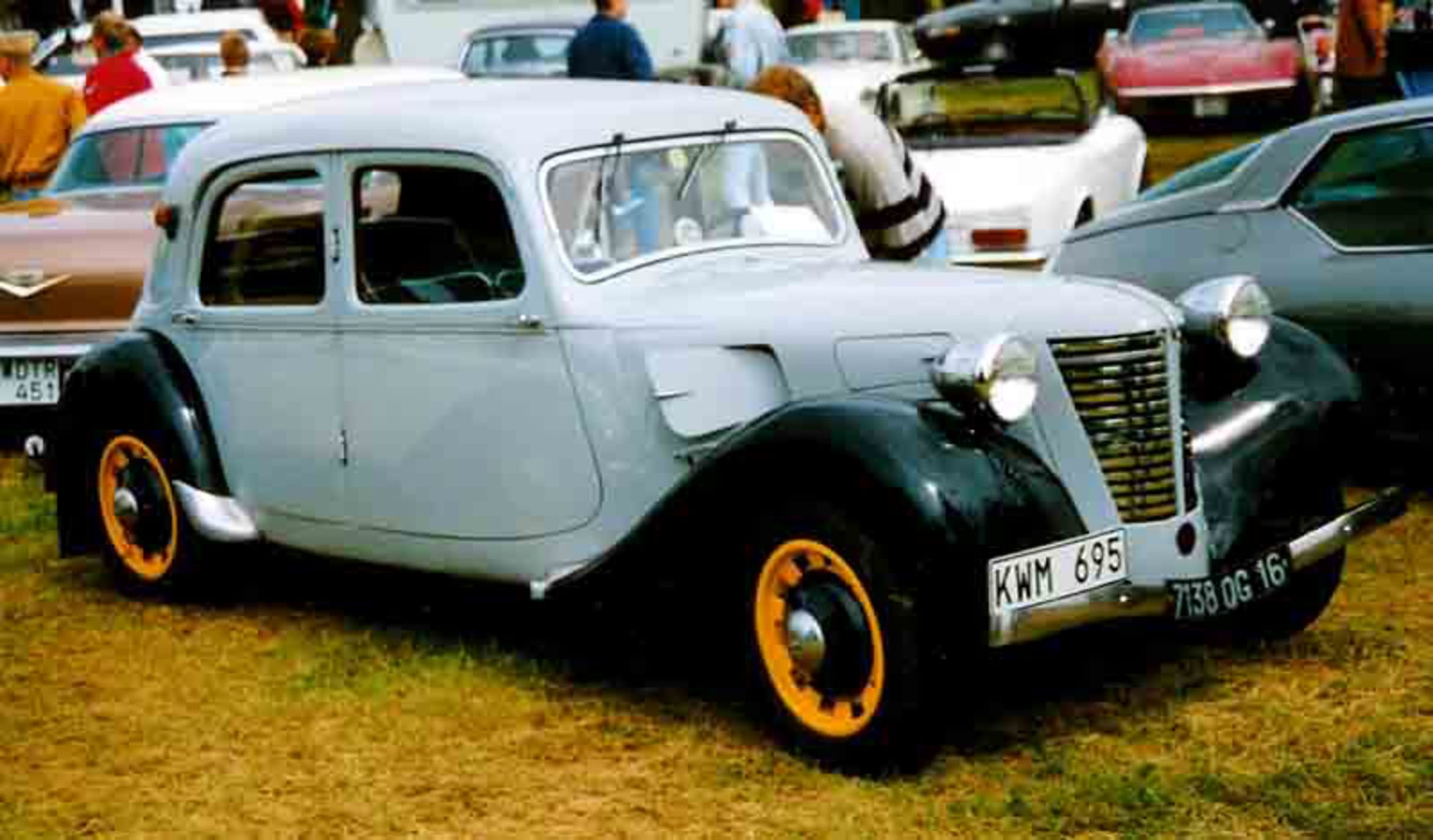 File:Citroen B11 Berline 1938.jpg. No higher resolution available.