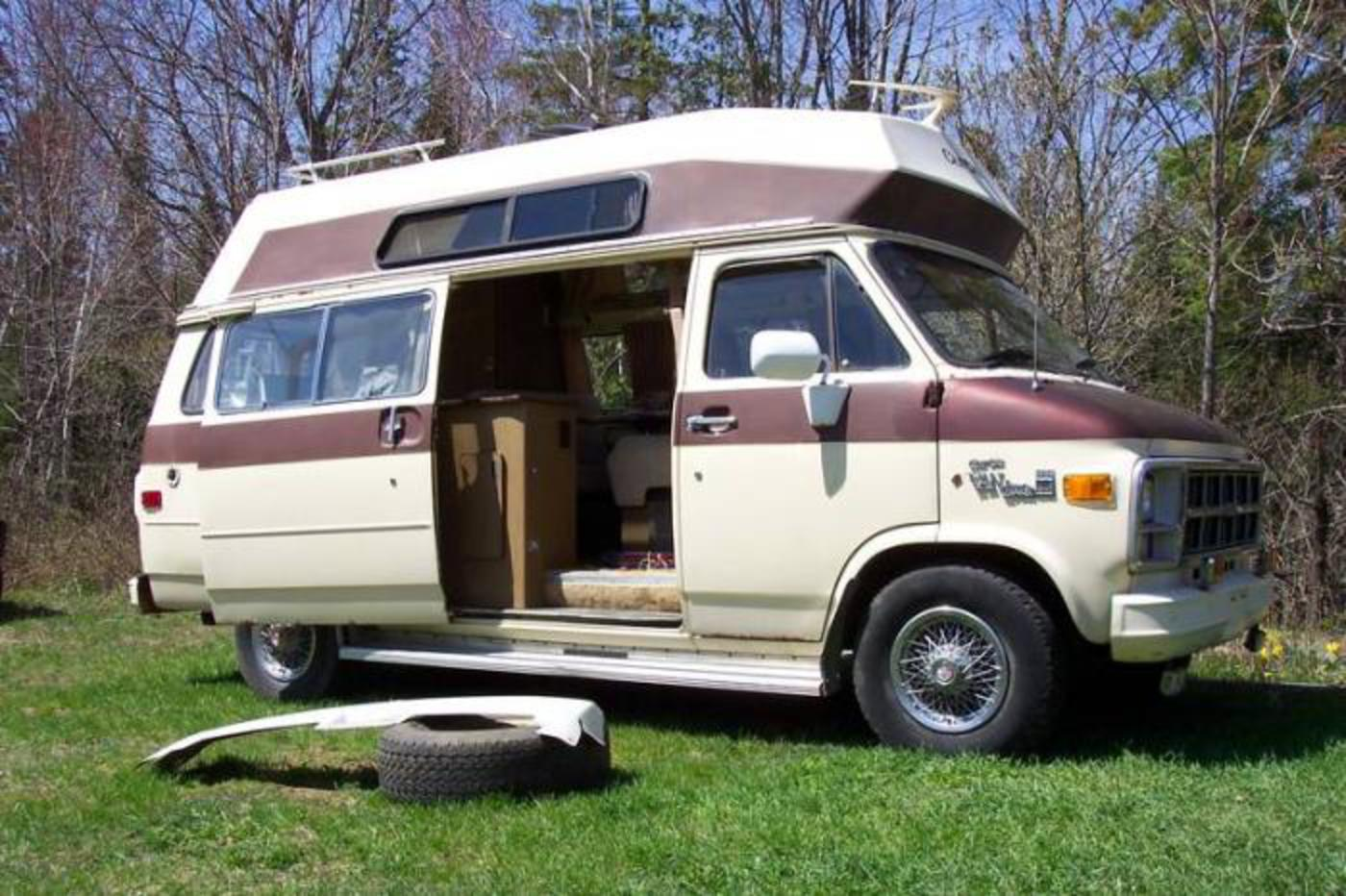 Dodge Conversion Van >> TopWorldAuto >> Photos of GMC Camper Van - photo galleries