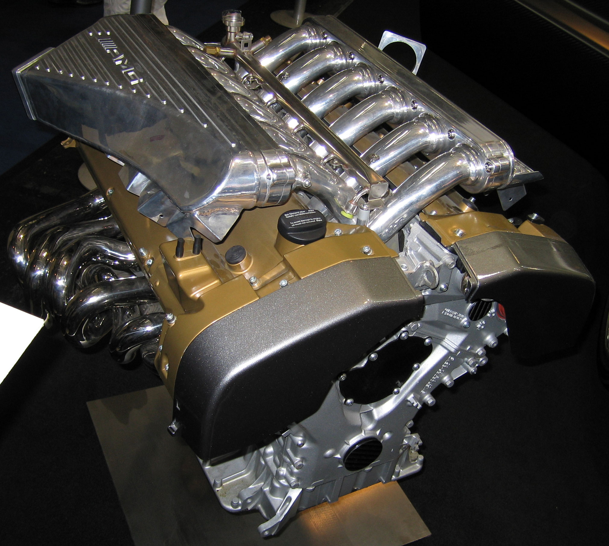 File:Pagani Zonda F engine (AMG V12 7.3l)2.jpg - Wikimedia Commons
