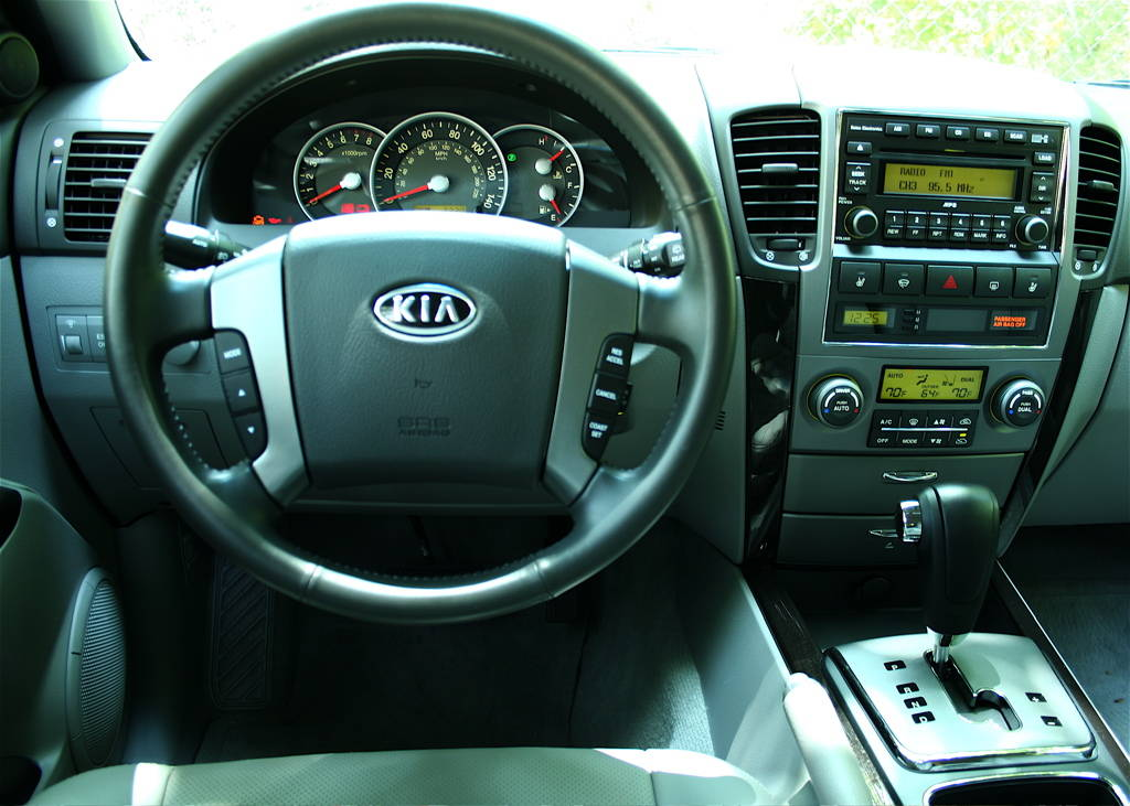 Pictures of the 2007 Kia Sorento EX 4x4 - New SUV Photographs ...