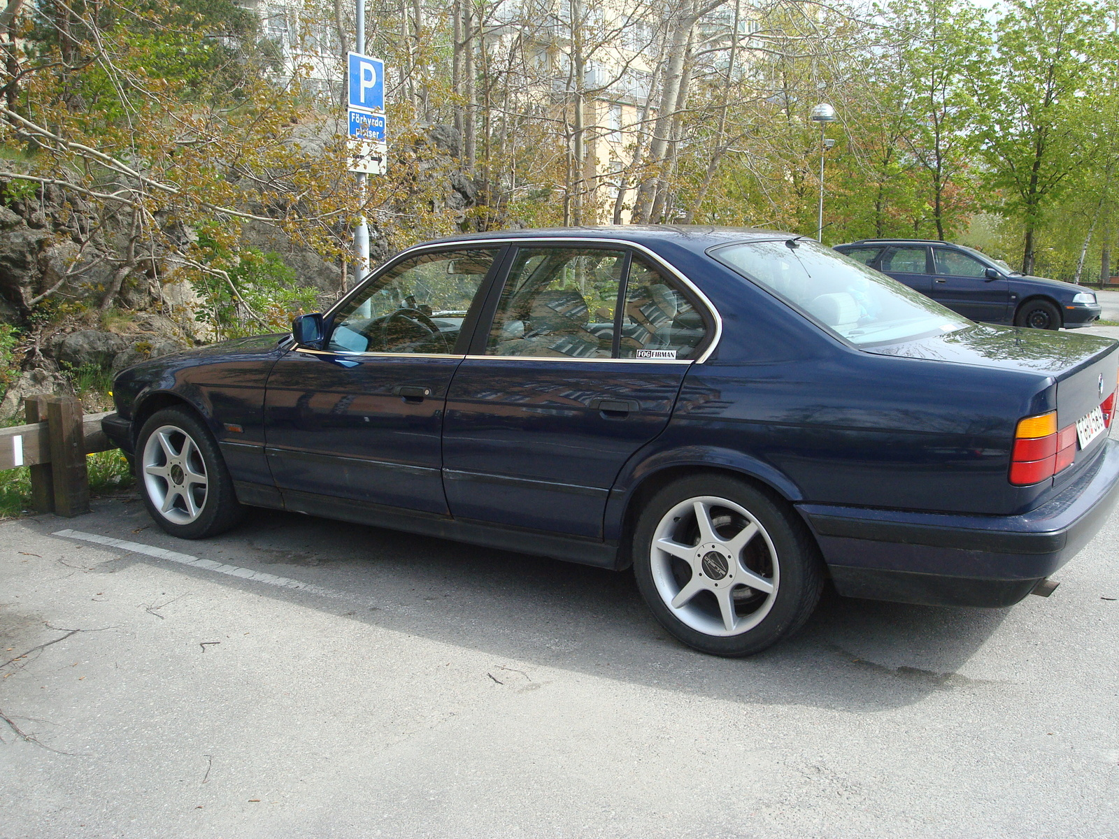 1992 BMW 518 518i picture. 0 pictures · 1 video · 3 reviews