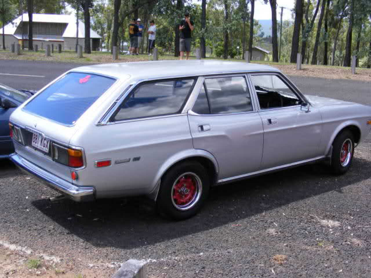 Just spotted this on JNC, a 1975 Mazda 929 wagon, looks stunning