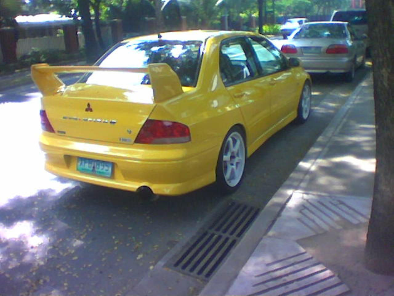 Philippines Cars Automotive Gallery - Mitsubishi Lancer Evo 7.