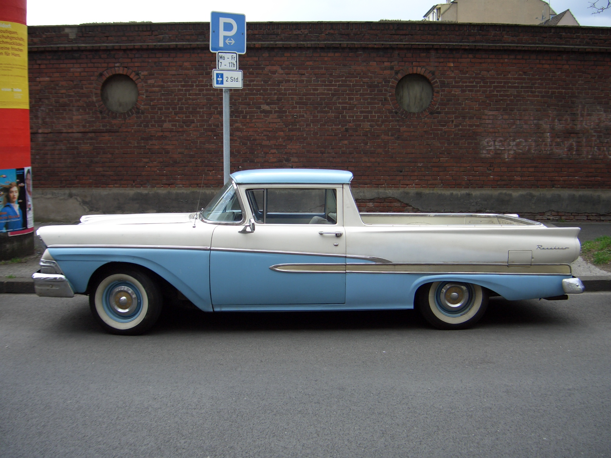 File:Ford Ranchero 1958 side 2006-04-08 A.jpg