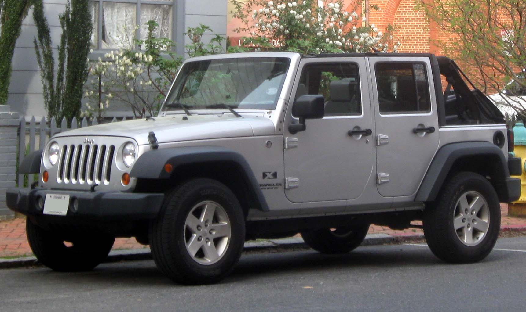 File:Jeep Wrangler Unlimited X -- 04-07-2010.jpg