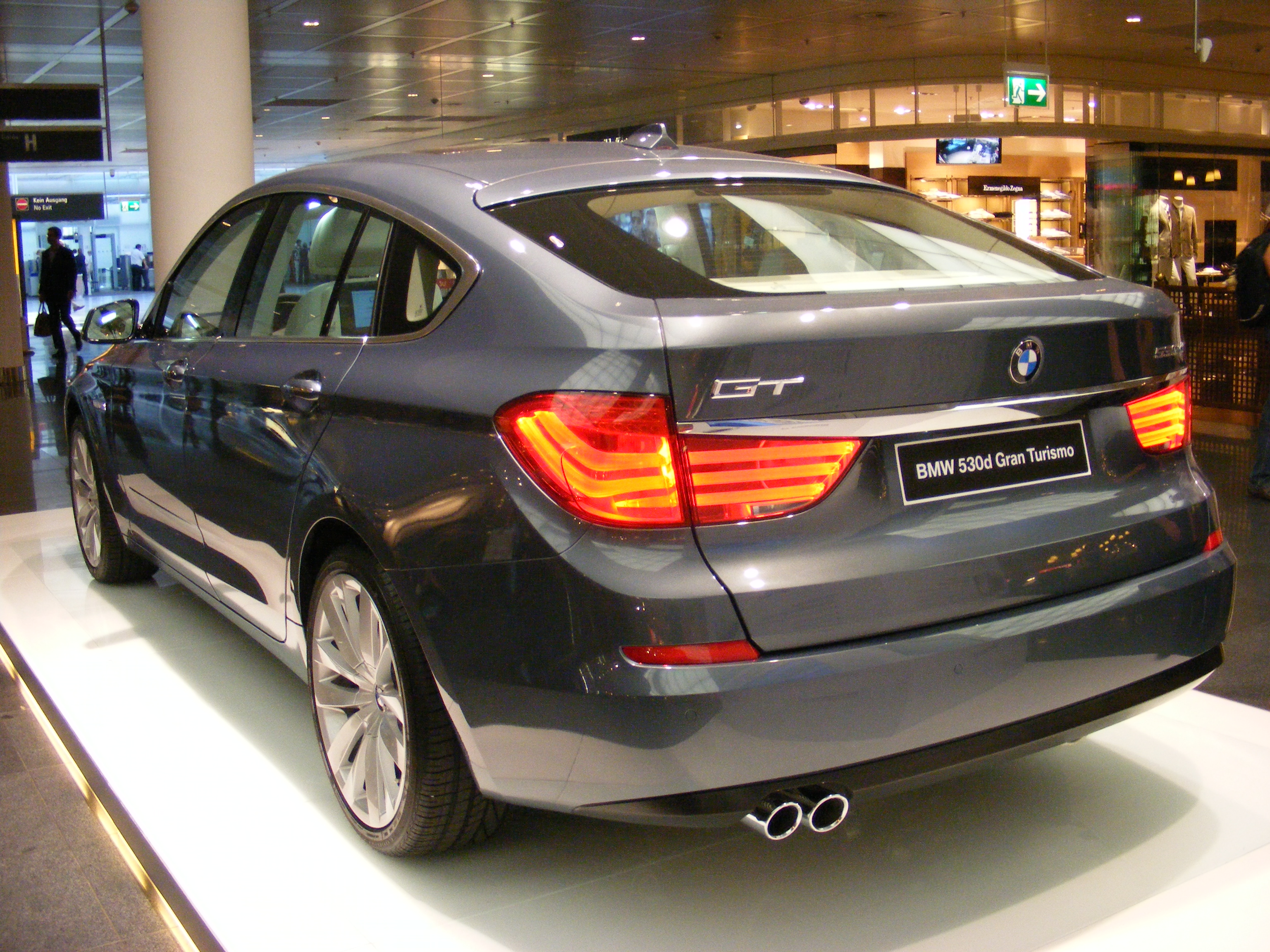 File:BMW 530d Gran Turismo (2009) - rear.jpg