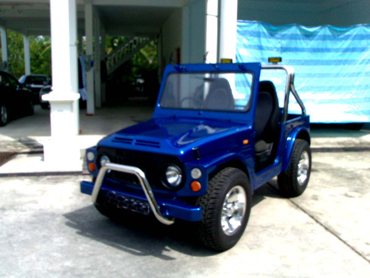 Time to show my two Suzuki LJ80. Posted by Wilson at 02:56
