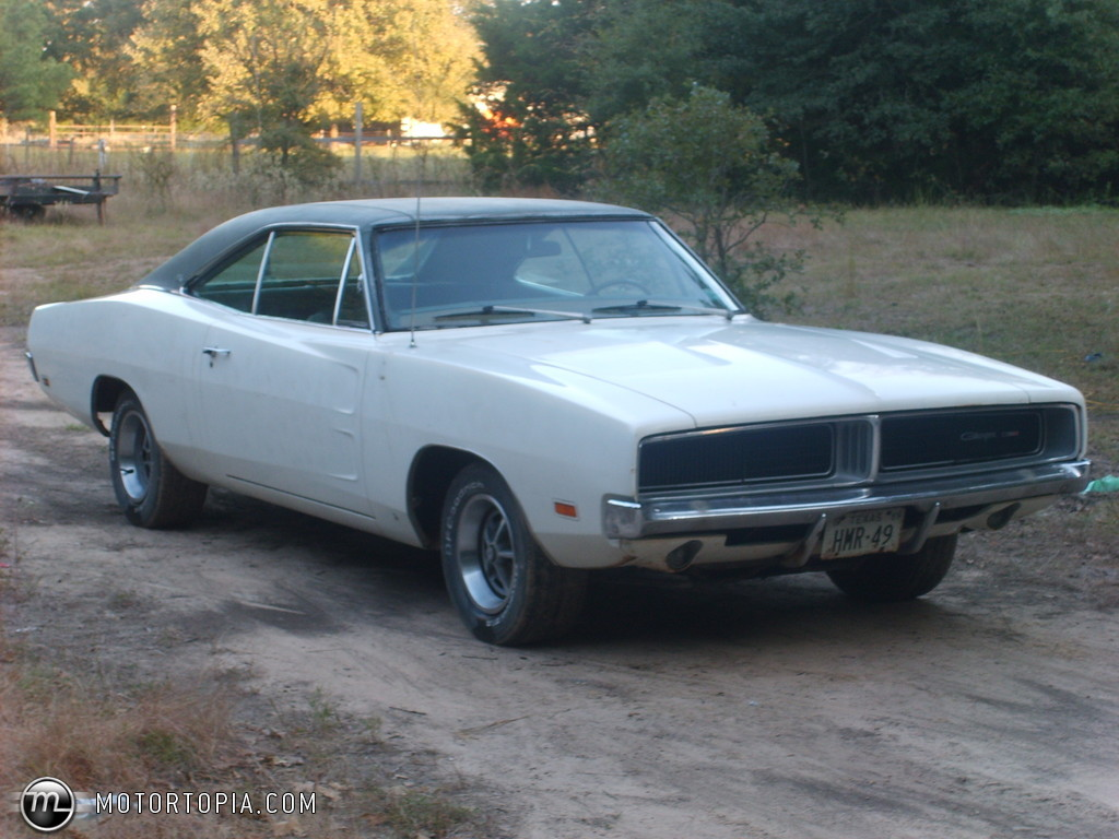 Photo of a 1969 Dodge Charger SE (SE Charger). 25,739 views; 9 comments
