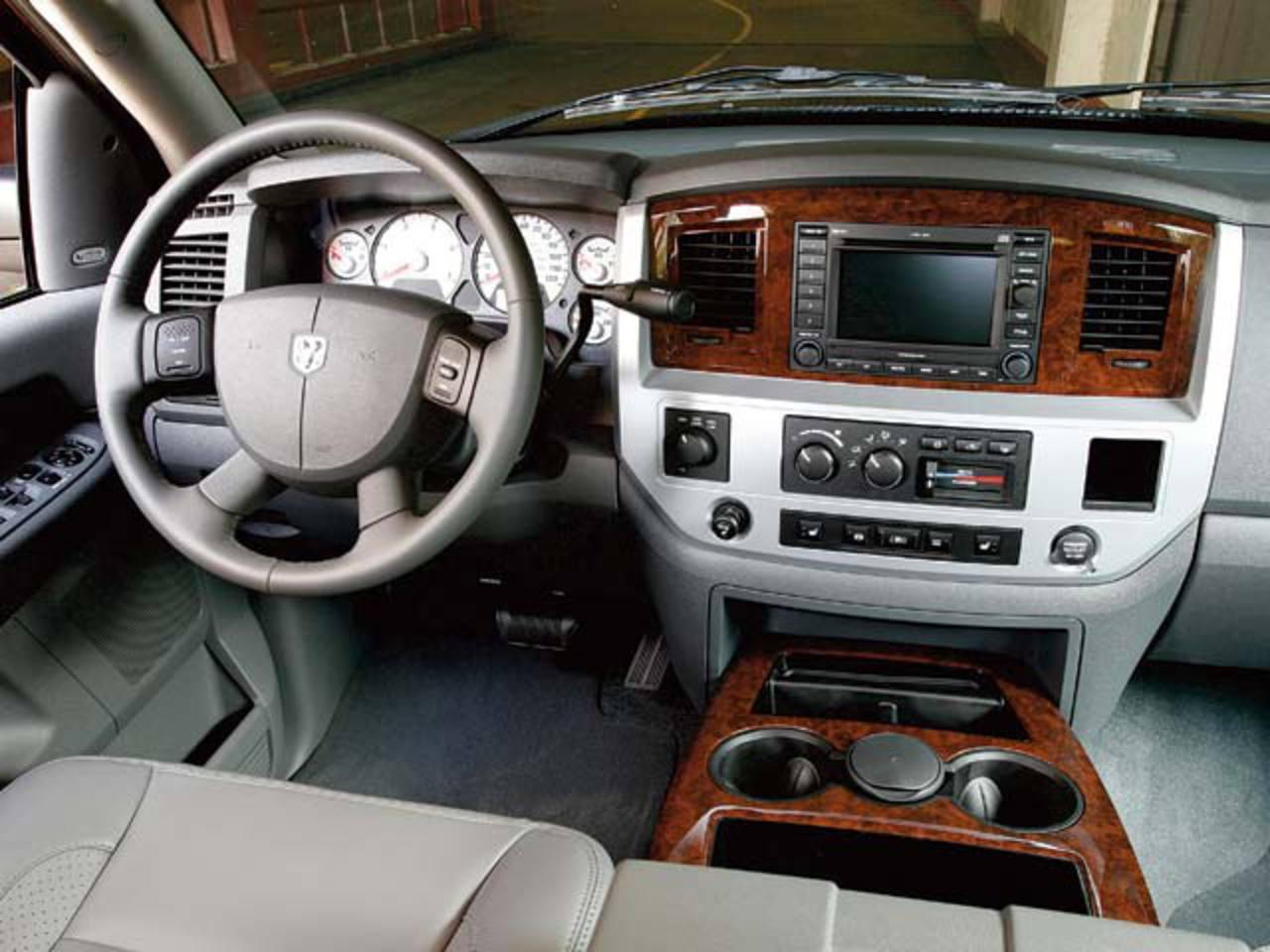 Topworldauto Photos Of Dodge Ram 2500 Laramie Photo Galleries Interior