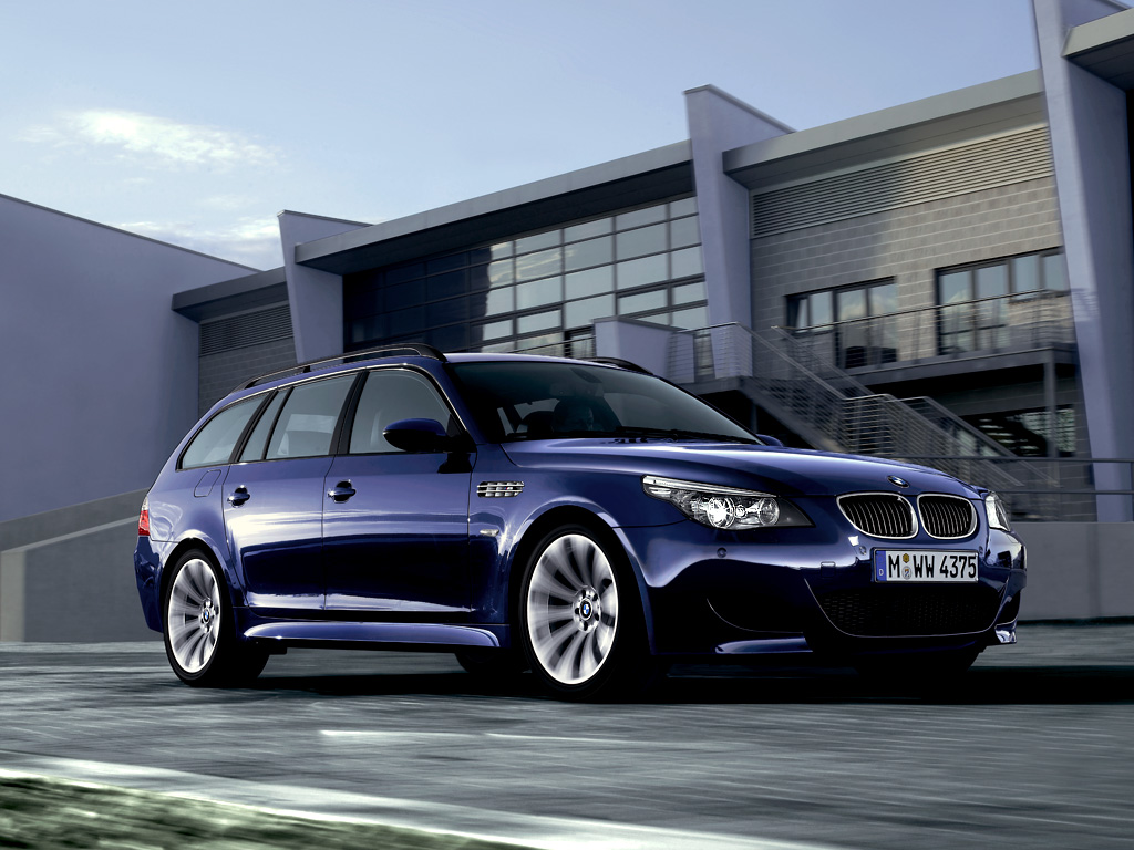 The BMW M5 Touring Wallpapers for PC