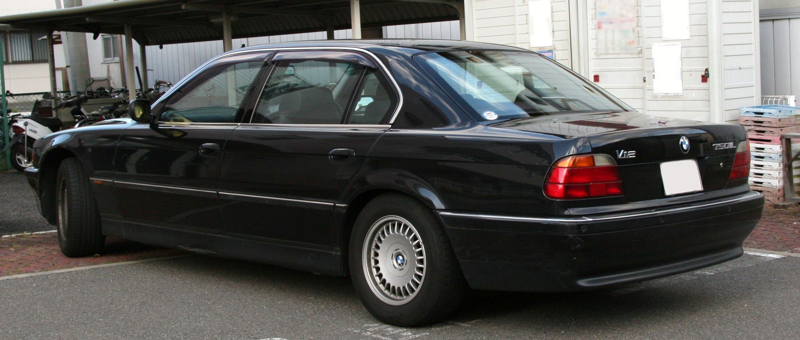 File:BMW 750iL rear.jpg